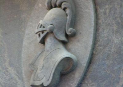 Detalle del anagrama de El Casco