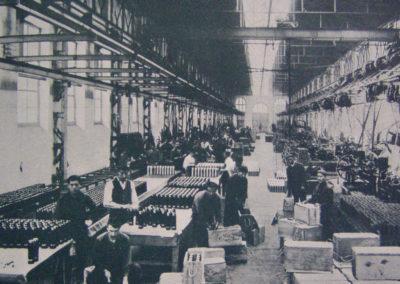 Imagen antigua del interior de los pabellones