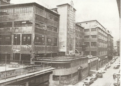 Imagen histórica del edificio de AYA