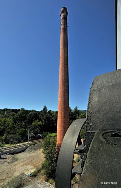 Detalle de la chimenea