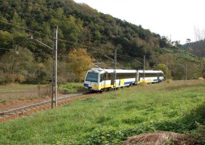 Ferrocarril a su paso por Zalla