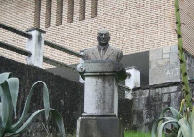 Busto del fundador